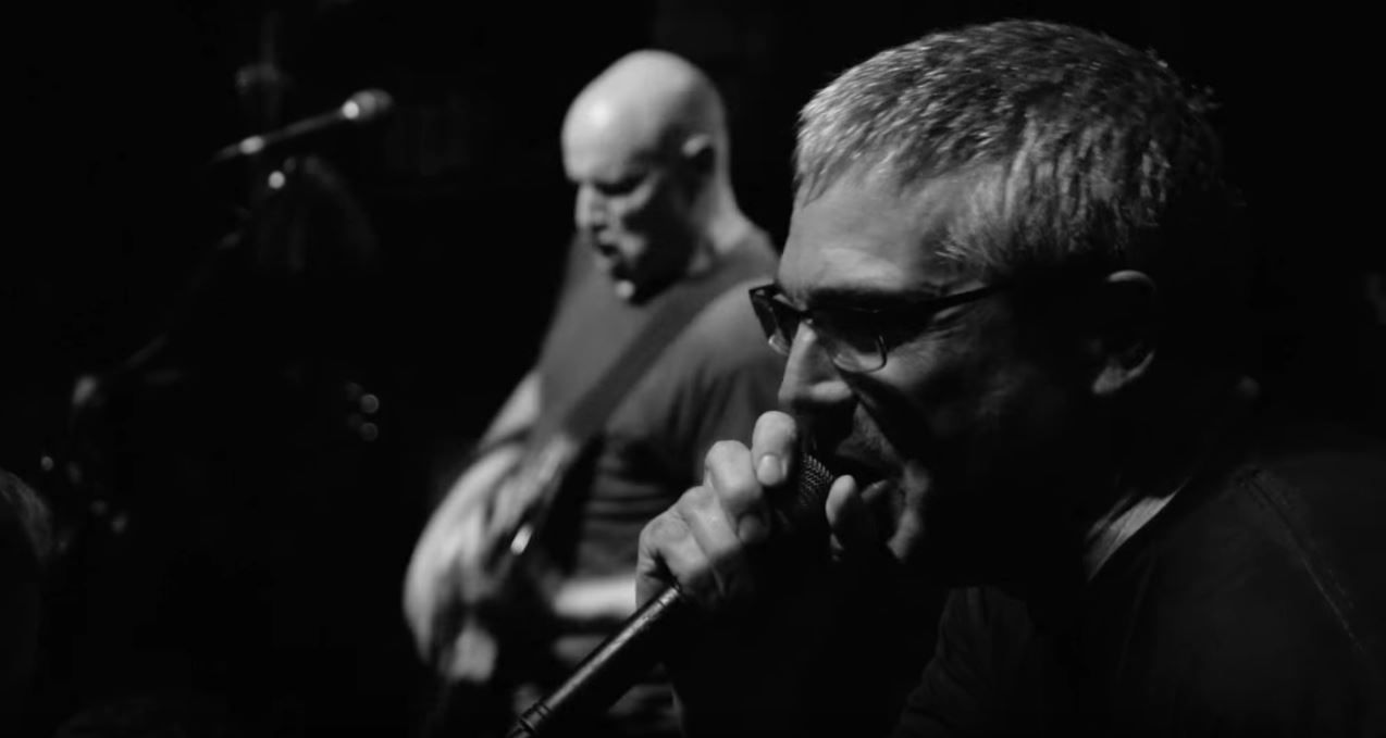 "Descendents lança clipe de ""On Paper"""