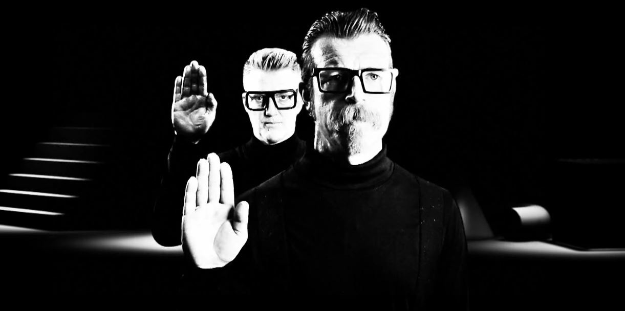 "Novo clipe do Eagles of Death Metal: ""Complexity"""