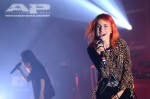 Hayley Williams (Paramore) toca com CHVRCHES