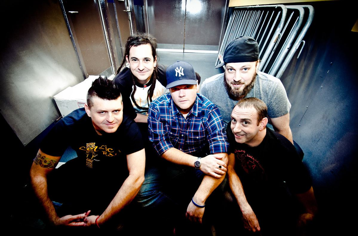 "Ouça o novo EP do Less Than Jake: ""Sound The Alarm"""