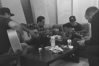 strung out ep acustico