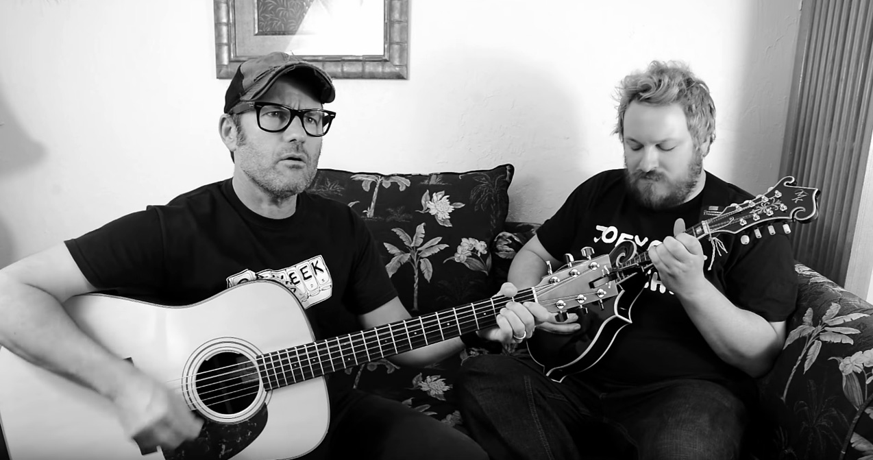 Vídeos: Joey Cape (Lagwagon) toca no Punk in Vegas