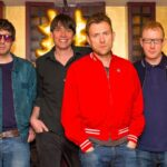 "Novo clipe do Blur: ""There Are Too Many of Us"""