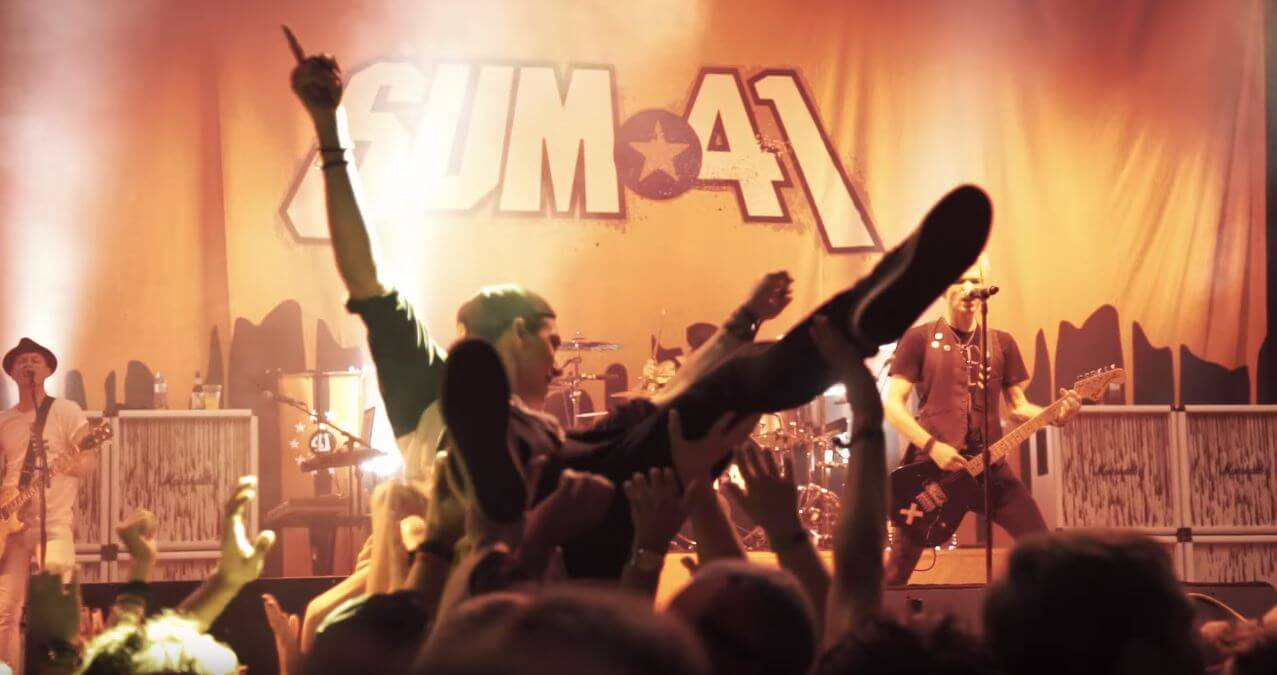 "Sum 41 lança clipe da inédita ""God Save Us All (Death to Pop)"""