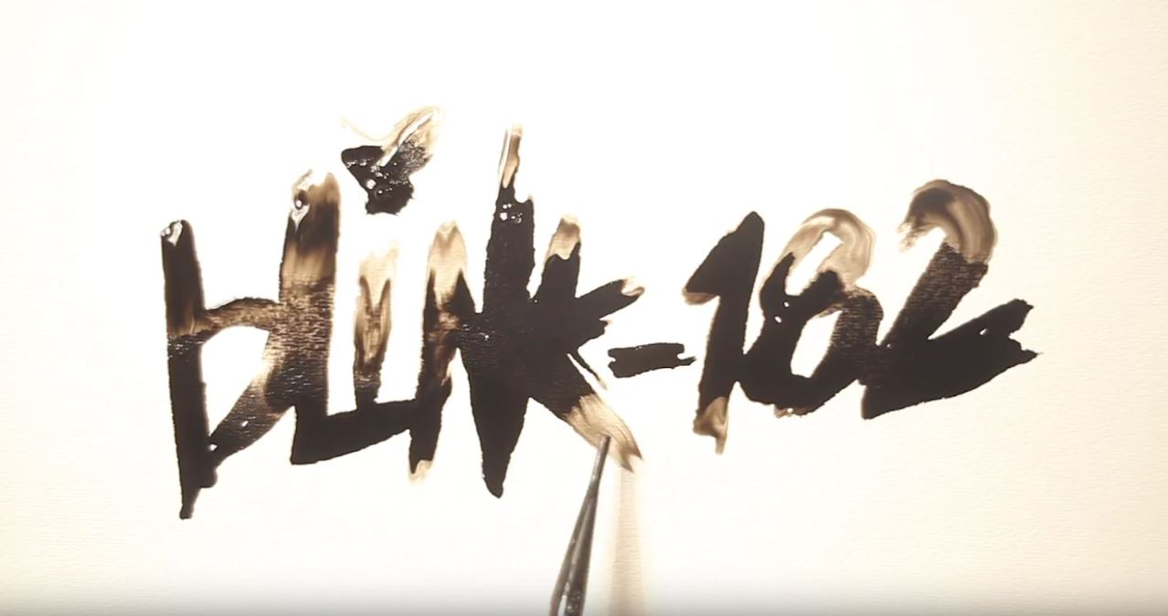 "Blink-182 lança lyric video da inédita ""Parking Lot"""