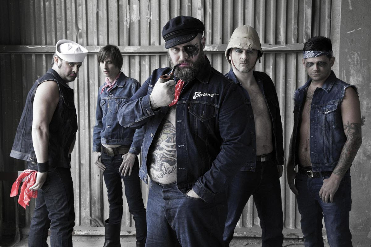 Entrevista com Happy-Tom do Turbonegro